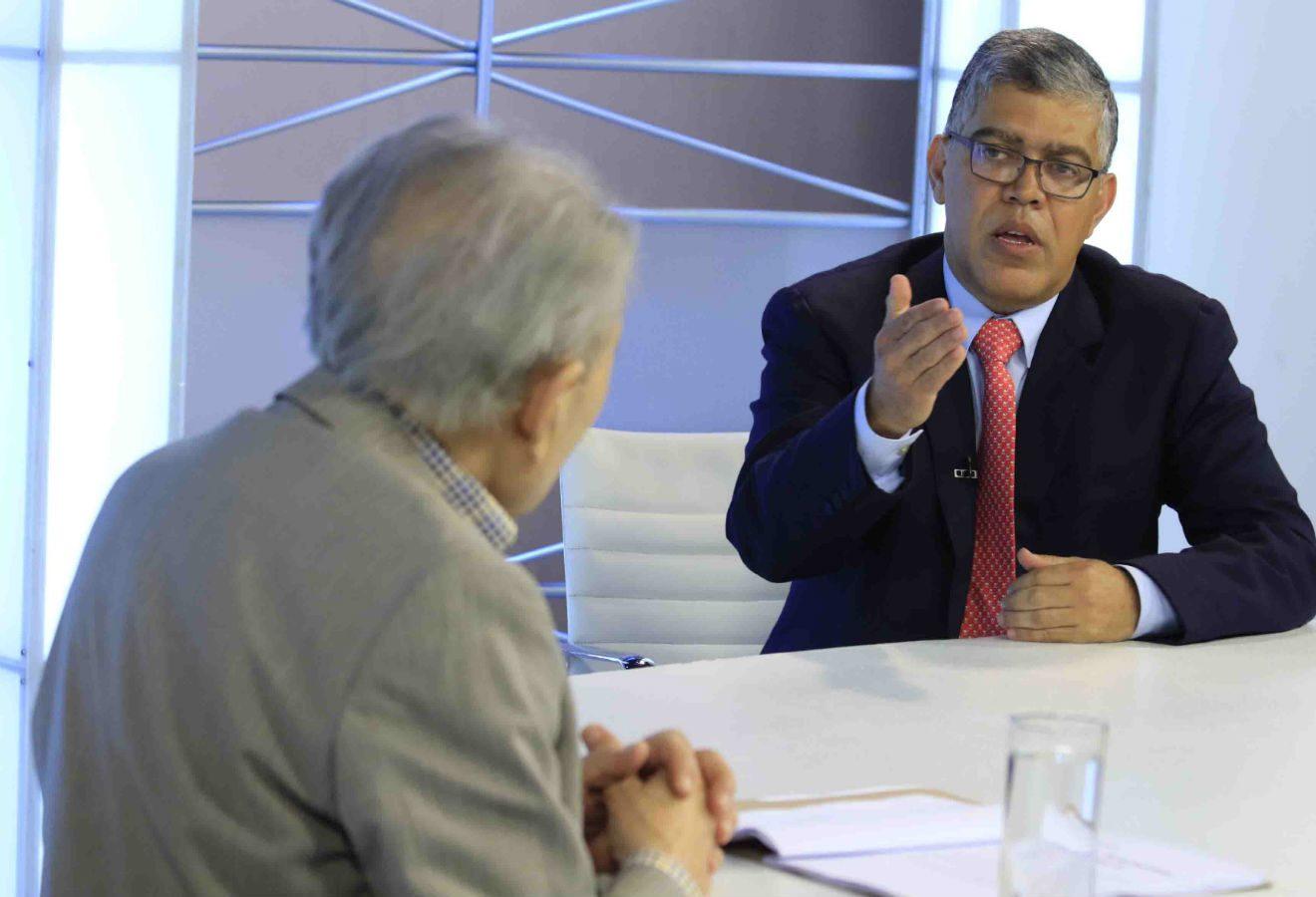 Elías Jaua: La vida de la República está en juego