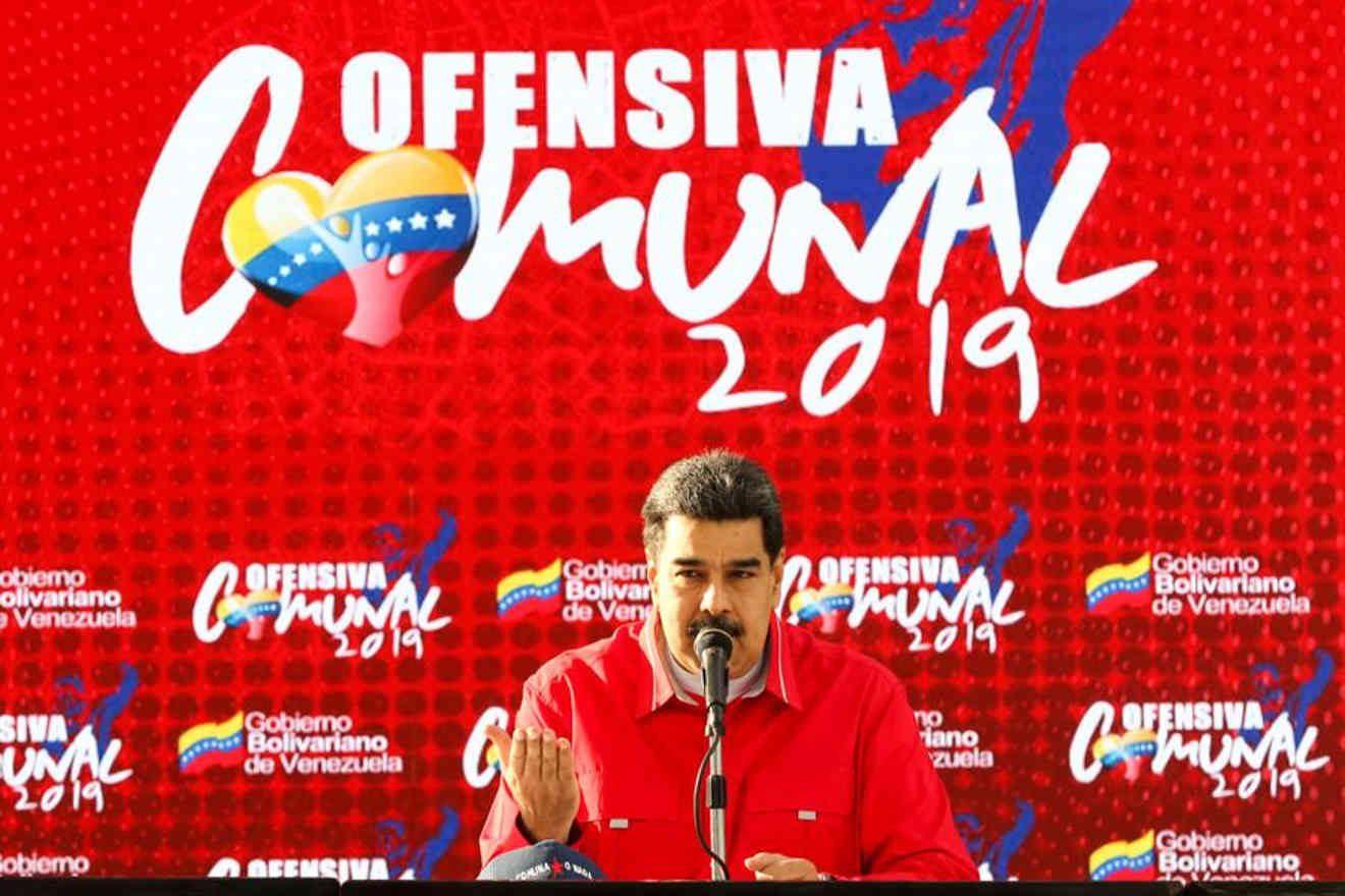 Maduro convoca un debate para