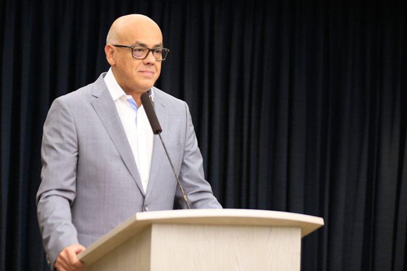 Jorge Rodríguez acusa a Tamara Adrian de estar en trama de corrupción